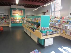 Příklad řešení interiéru Městské knihovny v Culemborgu s použitím konceptu Whitebox (foto Bieb Systemen)